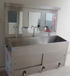 医用304不锈钢脚踏洗手池/双人位洗手池厂家/洗手池