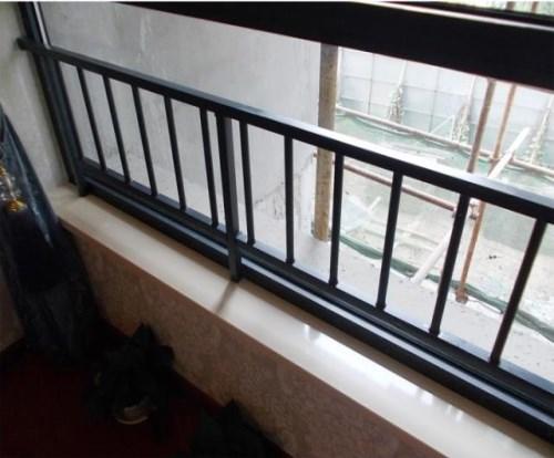 阳台栅栏用甚么好_寡加商贸网