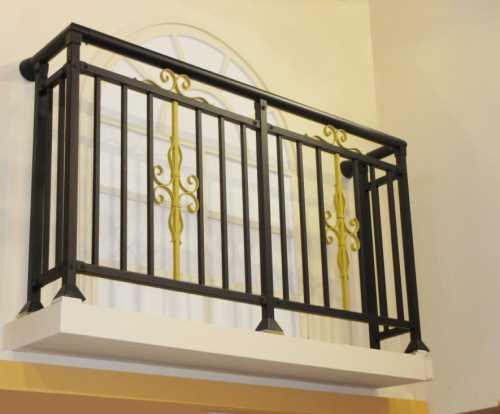 阳台组合铁艺栏杆图片_铁艺焊接栏杆_鸿图铁艺