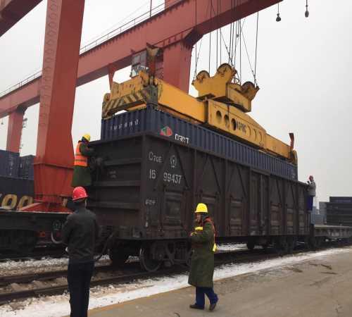 河北铁路集装箱运输价格/哪有天津铁路运输货运中心/天津晟铁国际货运代理有限公司