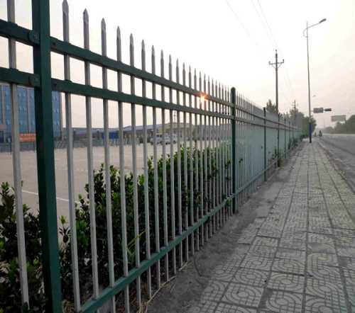 铁丝网围栏价格/铁丝砖带网价格/河北晨超金属丝网有限公司
