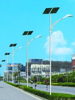 道路太阳能路灯供应商_更高能太阳能灯