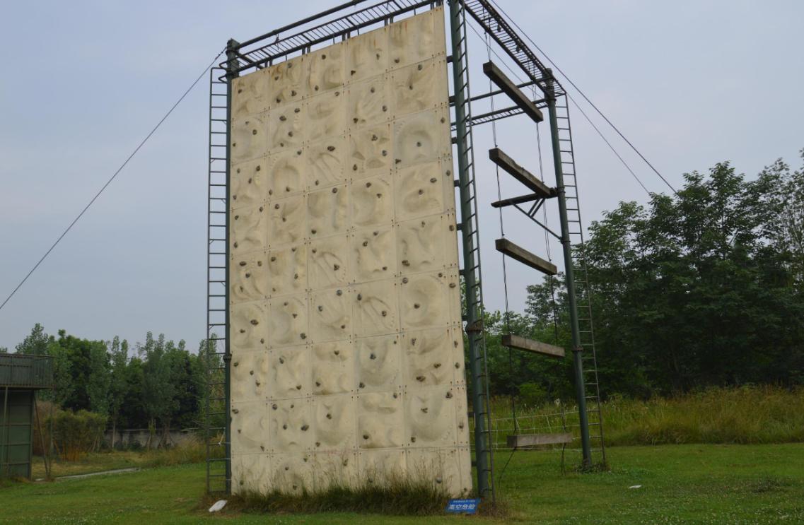 户外高空拓展装备 青少年军事夏令营价格 成都军时文化传播有限公司