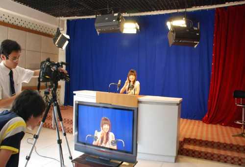 国内播音主持艺考哪里有/北京开拍广播电视编导艺考培训需要多少钱/北京开拍网络科技有限公司