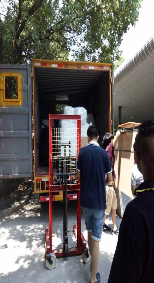 国际明星搬场 上海各种货车 上海大众搬家搬场服务有限公司