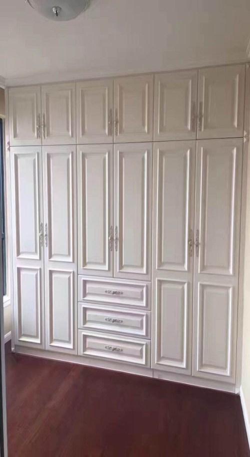 整体衣柜网 嵌入式酒柜 成都白马王子家居有限公司