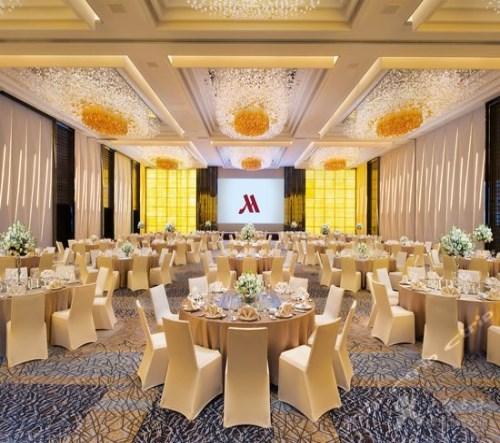 酒店宴会厅风格_西安订婚宴_西安禧福汇网络信息技术有限公司