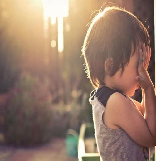 邢台问题儿童学校-幼儿行为异常有哪些具体的表现-爱诺自闭症康复培训学校