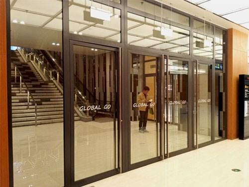 外墙钢制隔断 北京防火玻璃门价格 美得(深圳)工程技术有限公司