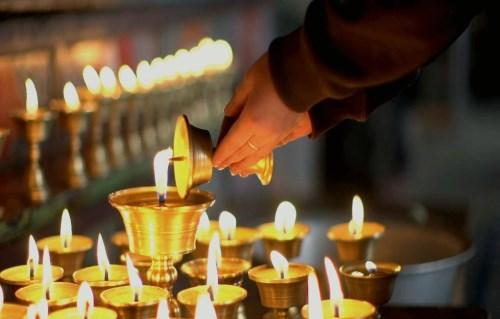便宜的酥油灯批发_拉萨的酥油灯在哪里买_西藏意满实业有限公司