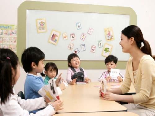 西安市外语幼儿园招生-未央区幼儿园-玉润星雨华府幼儿园