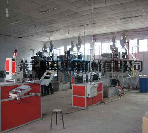 双层下吹微喷带设备 双层水带机组 莱芜炬基塑料机械有限公司