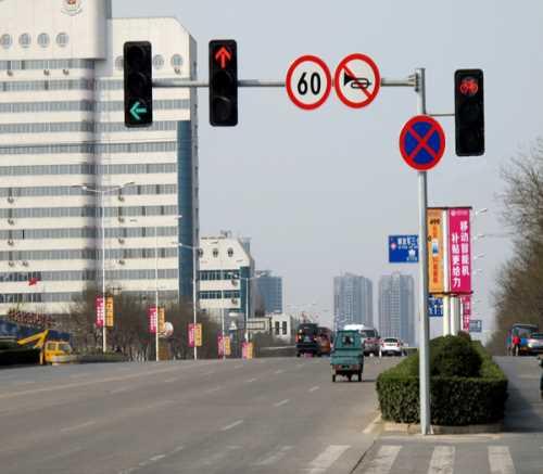 八棱杆哪家好/led交通信号灯供应/河南省新乡市新星交通器材有限公司