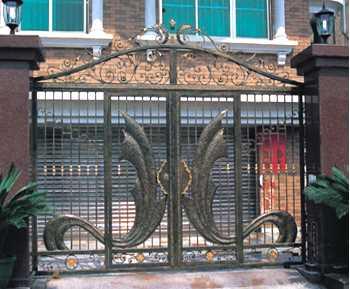 美式庭院门定制/庭院围墙园林围栏多少钱一米/鸿图铁艺