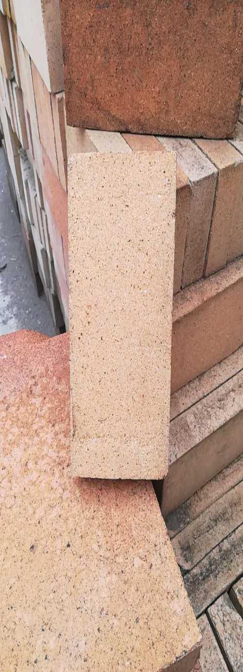 河北保温砖供应商-江苏浇注料-辉县市森达保温耐材科技有限公司