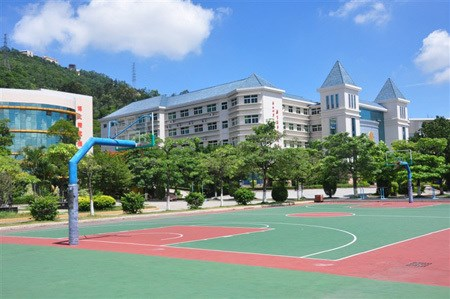 深圳私立学校有哪些/宝安中学排名/深圳市富源学校