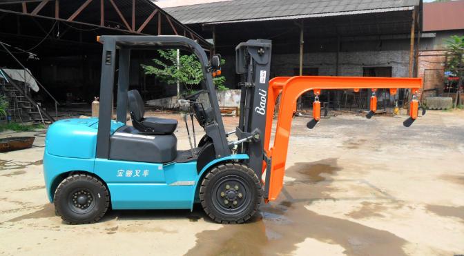 小型叉车吊臂价格/袋装推出器价格/南阳市华邦机械制造有限公司