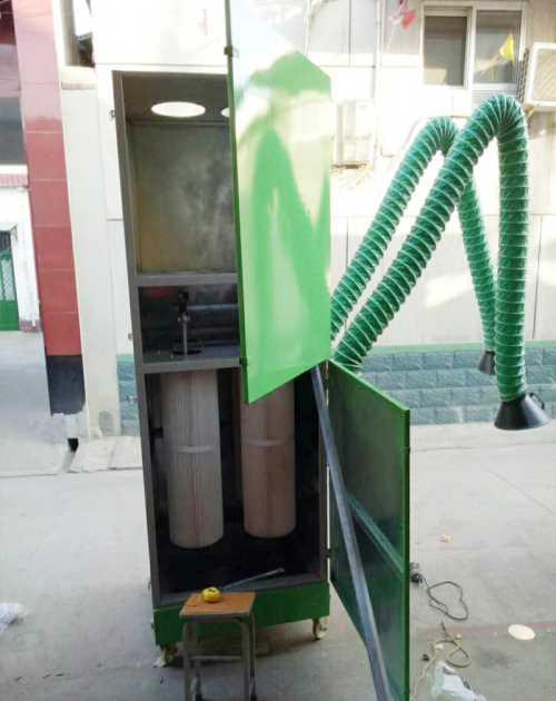环保焊烟 水性漆喷漆柜定制 济南龙飞烤漆设备有限公司