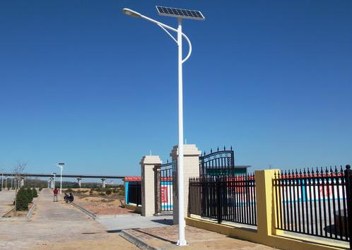 太阳能路灯建立/太阳能路灯装置办法/湖南华能光电无限公司
