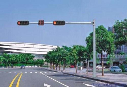 正宗信号杆制作 高品质道路标志牌厂家诚信经营
